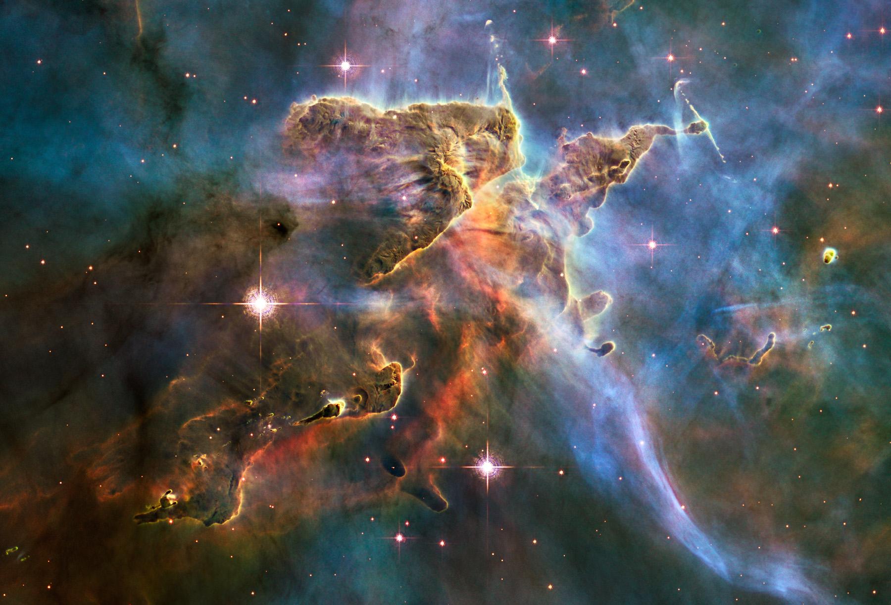 Krajobraz Mgławicy Carina/ Źródło: NASA/ESA/M. Livio, The Hubble Heritage Team & Hubble 20th Anniversary Team (STScI)