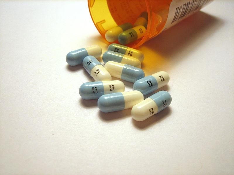 800px-Prozac_pills