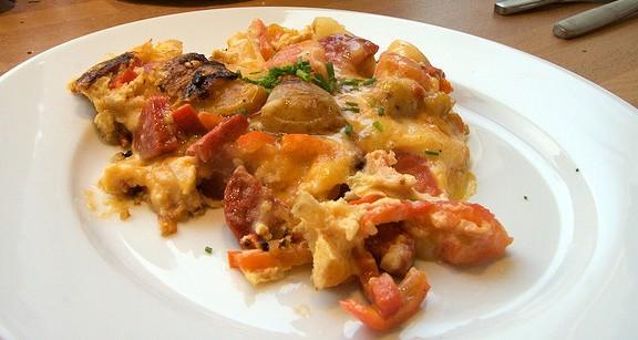 Na poprawienie humoru - hiszpański omlet, zawierający wszystko, co zawiera sarkozynę. /źródło: flickr; Wouter Ernsting (CC BY-NC-SA 2.0)
