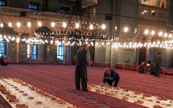 Przygotowanie do Ramadanu w Turcji. /źródło: wiki; Diaa abdelmoneim (CC BY-SA 2.0)