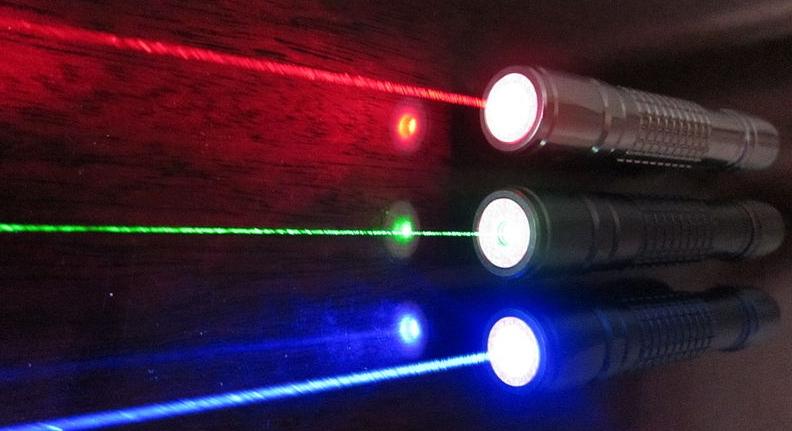 800px-RGB_laser