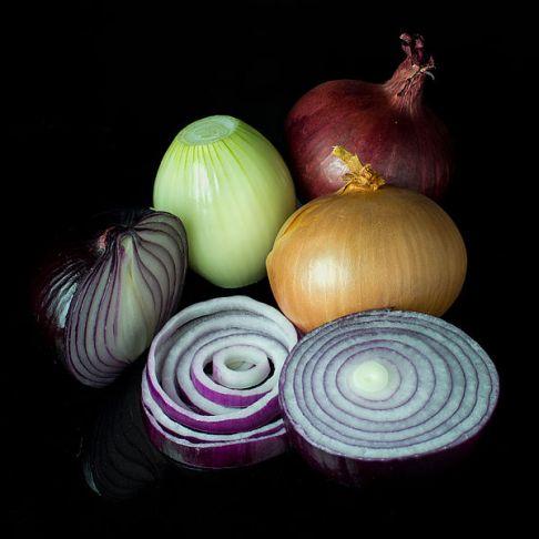 Zdradzieckie cebule - a jakaż ich chemia jest komplikowana./źródło: wiki; Colin (CC-BY-SA 3.0)