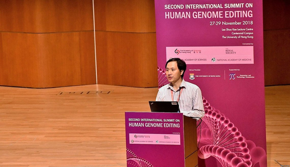 1200px-He_Jiankui_at_Second_International_Summit_on_Human_Genome_Editing